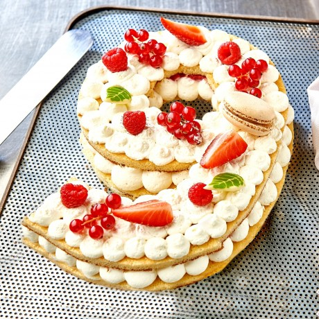 - Chiffre 9 Number cake fruits rouges