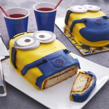 - Gâteau Minions 3D